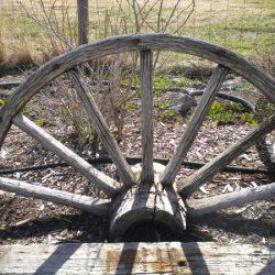 Wagon wheel for rent
