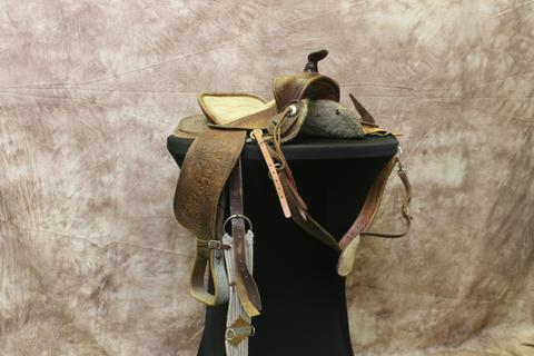 Western saddle rentals